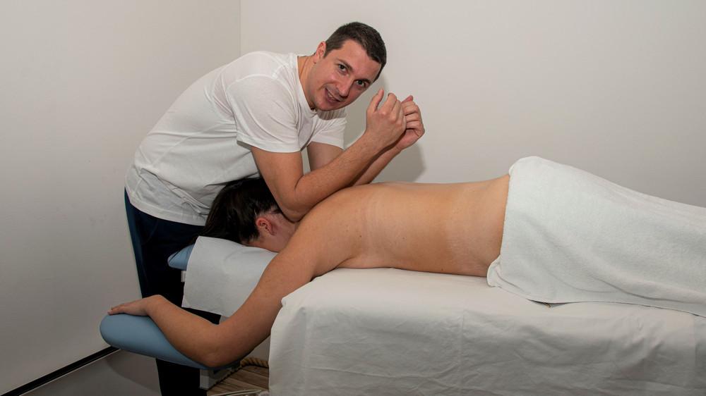 Terapijska ručna, aroma masaža 1